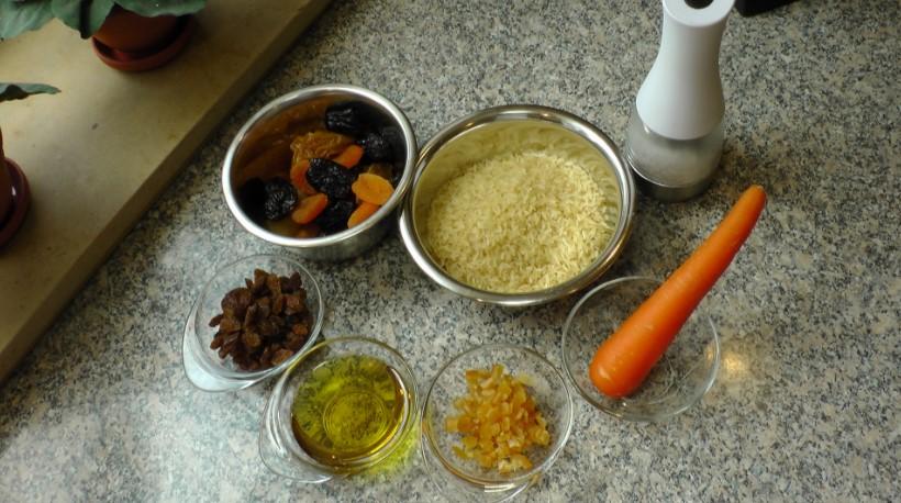 00-ingredienty-dlja-sladkogo-plova-s-suhofruktami.jpg