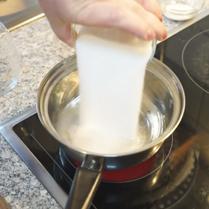 займемся приготовлением сахарного сиропа